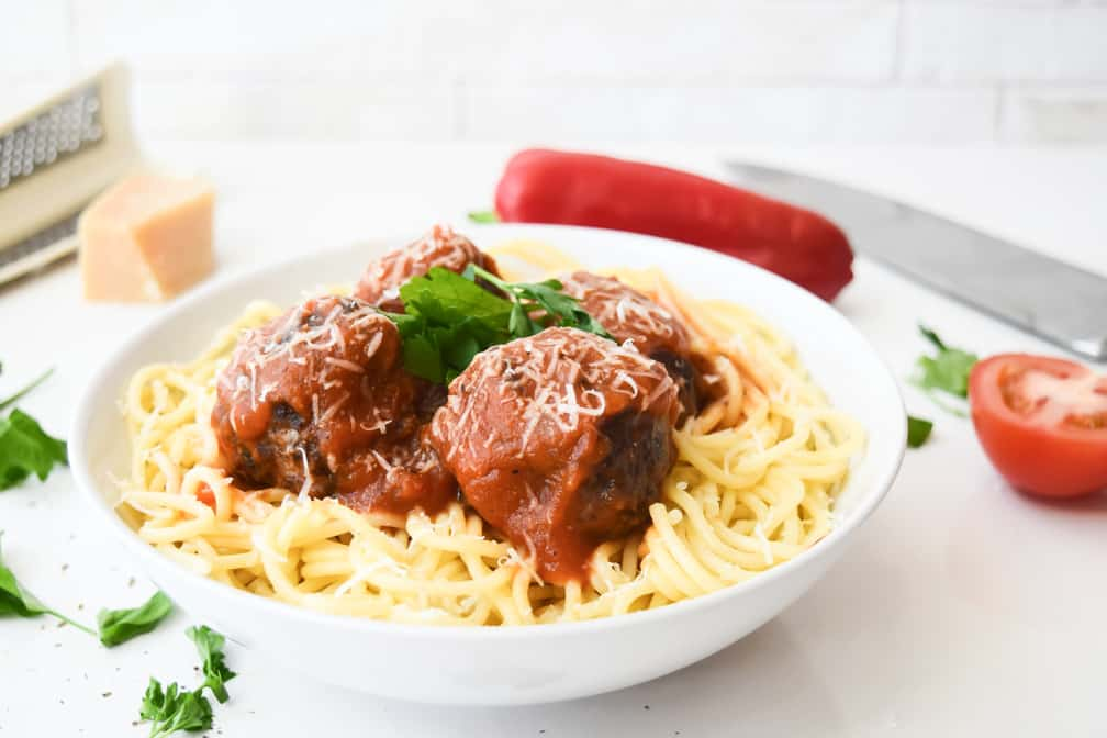 Meatballs in a Spicy Tomato and Pepper Sauce Recipe