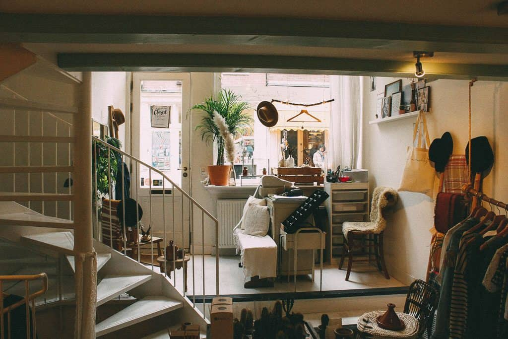 top tips for de-cluttering your home
