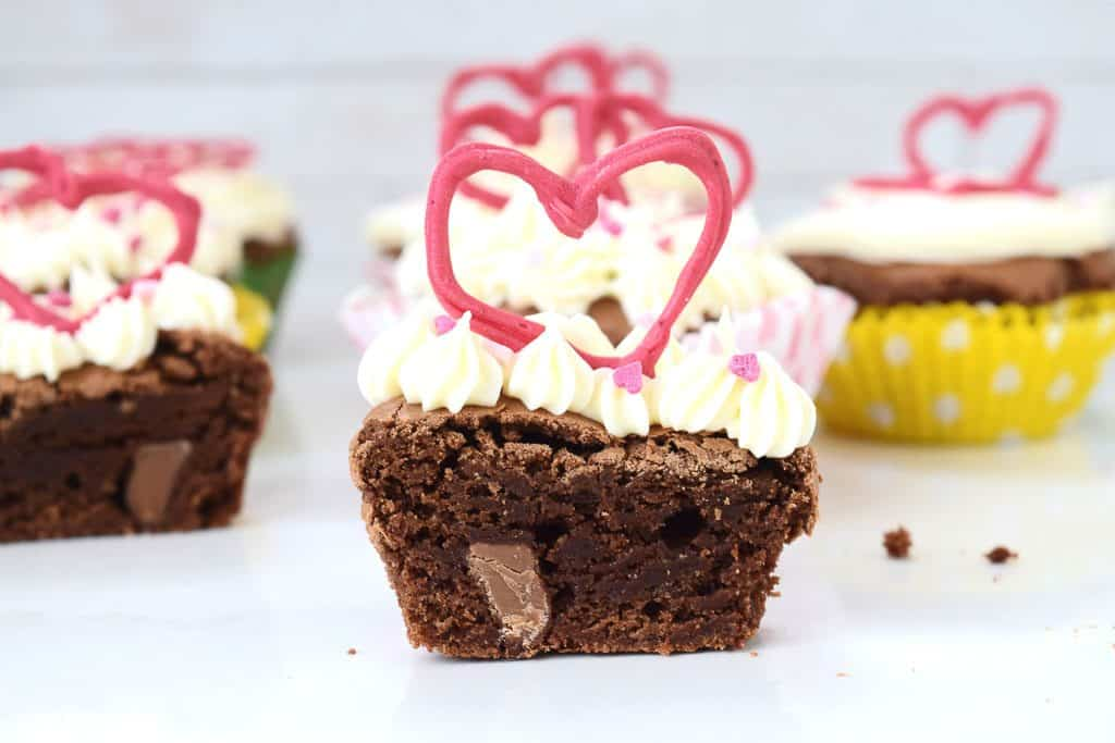 Chocolate Brownie Valentines Cupcakes With Marshmallow Frosting