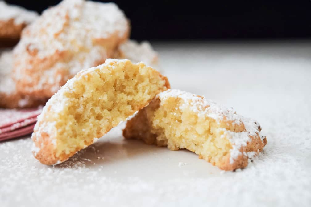 amaretti biscuits recipe